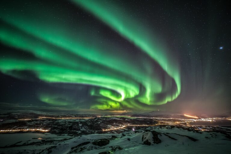 The Kp index: any good for aurora chasing?